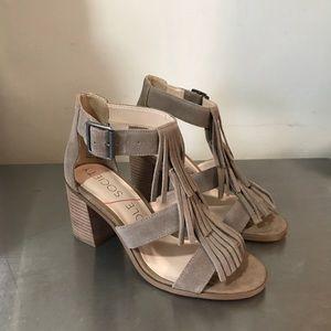 New !! Sole society Fringe sandals